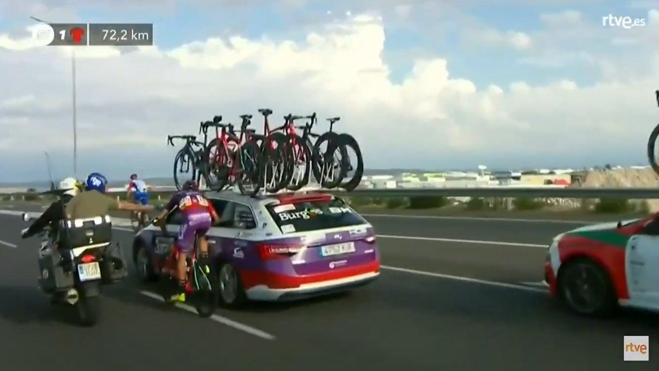 Велосипедист предлагаю его ГФ во время последнего этапа Ла Вуэльта по.