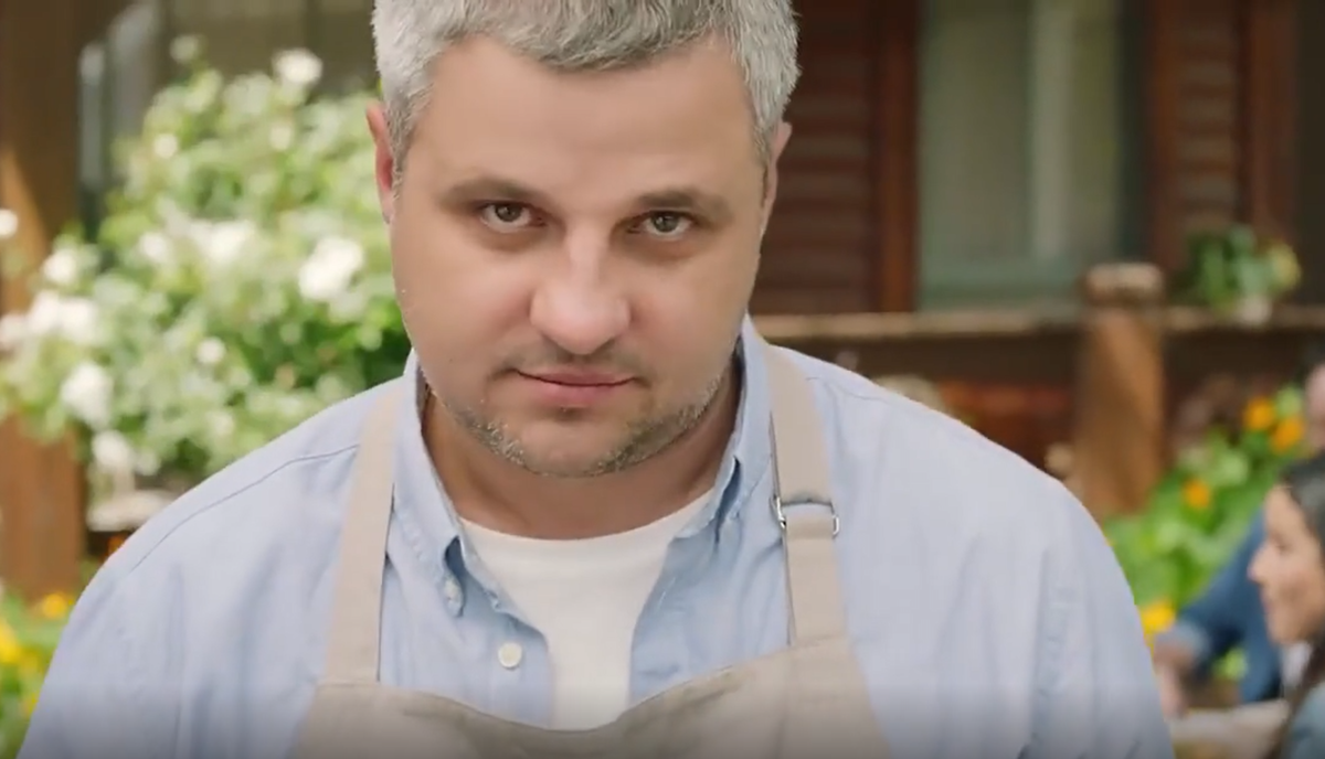 Рекламный ролик Мираторг – Колбаски для жарки