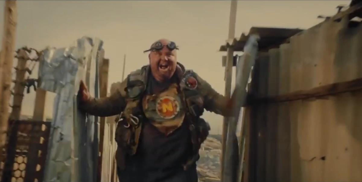 Кадр из рекламного ролика Папа едет домой