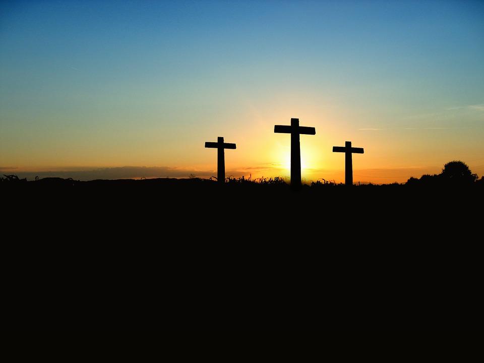 3 Он был презрен и умален пред людьми, муж скорбей и изведавший болезни, и мы отвращали от Него лице свое; Он был презираем, и мы ни во что ставили Его. (Ис.53:3)